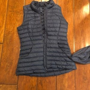 Lululemon Puffer Vest - size 6